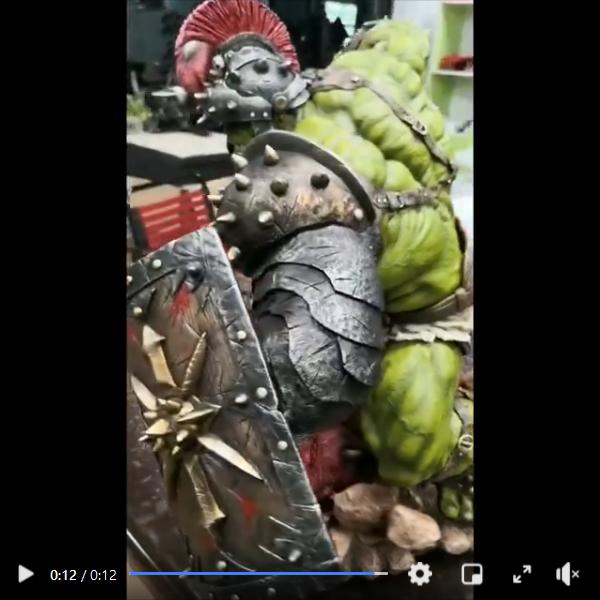Premium Collectibles : Planet Hulk / King Hulk** Screenshot_2020-11-0712jq1
