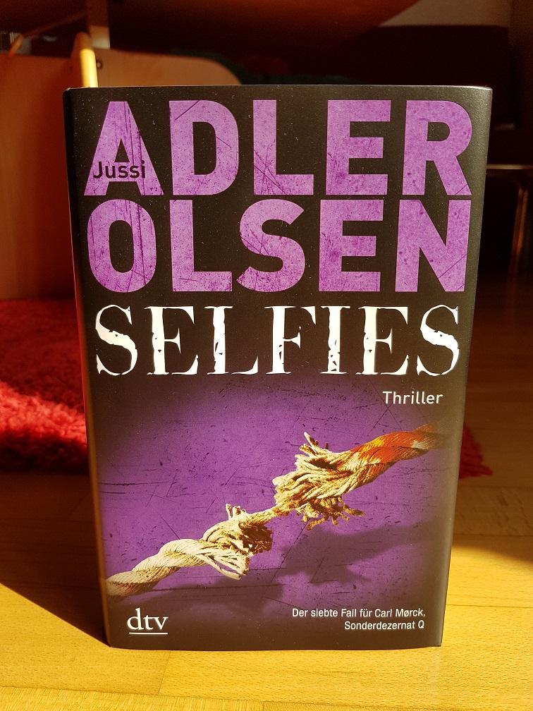 https://www.morawa-buch.at/detail/ISBN-9783423281072/Adler-Olsen-Jussi/Selfies?AffiliateID=bWXYWUMlLthqunkq7hba