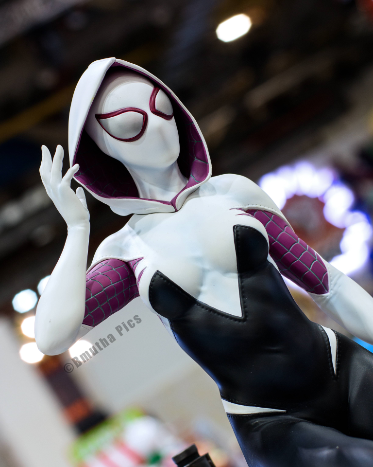 Premium Collectibles : Spider-Gwen Sepoiuq2ilozj