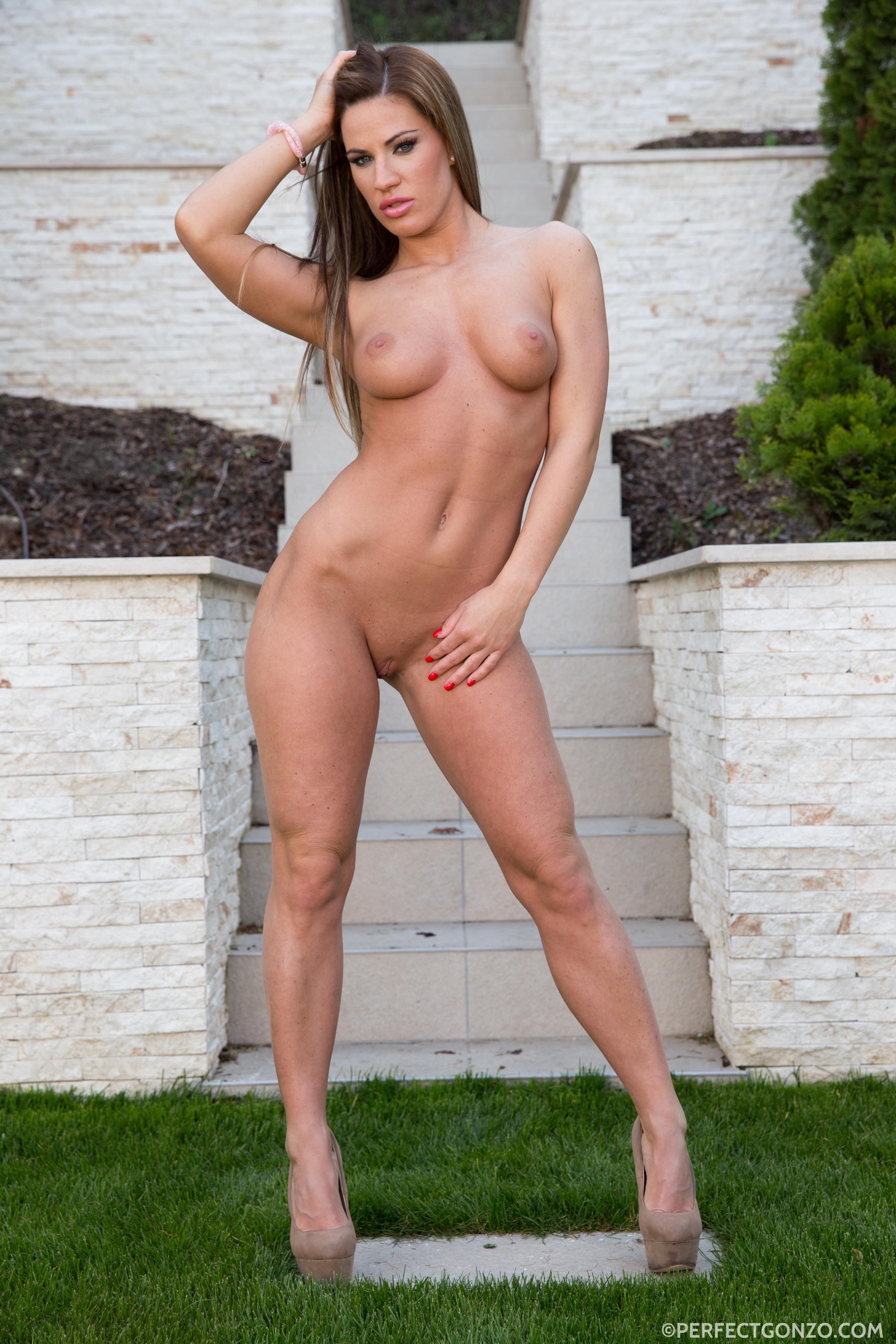 samples-bravo-nude-nikki-freeones-blog