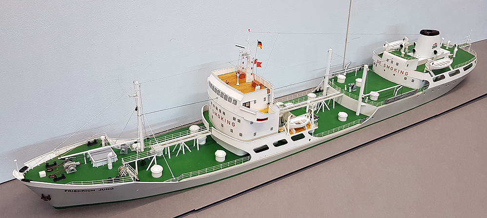 tanker89uojxu.jpg