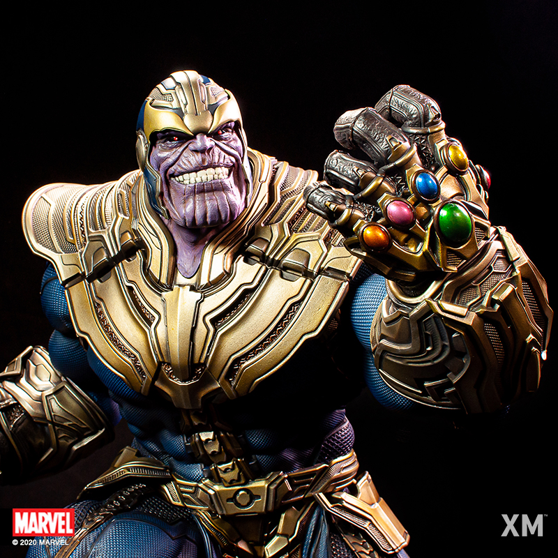 Premium Collectibles : Thanos and Lady Death Thanoslightupuvkle