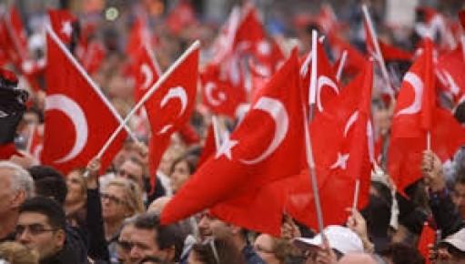 [Resim: turk_bayragi_tc_14ziuzo.jpg]