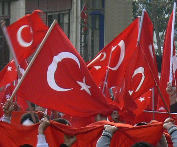 [Resim: turk_bayragi_tc_25swu3q.jpg]