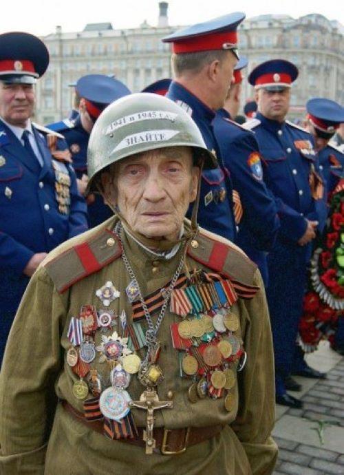 Le vétéran de la guerre... Vii33kw0
