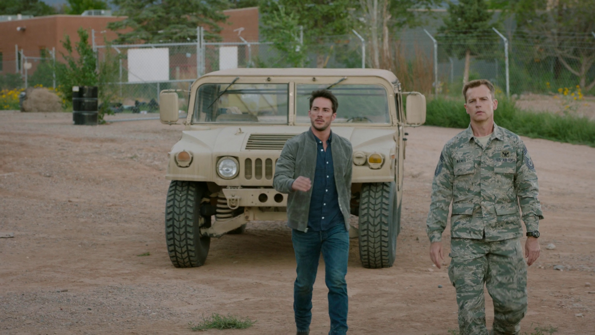Roswell New Mexico - Stagione 1 (2019) (Completa) WEBMux 1080P HEVC ITA ENG AC3 x265 mkv Vlcsnap-2019-09-08-14frki0
