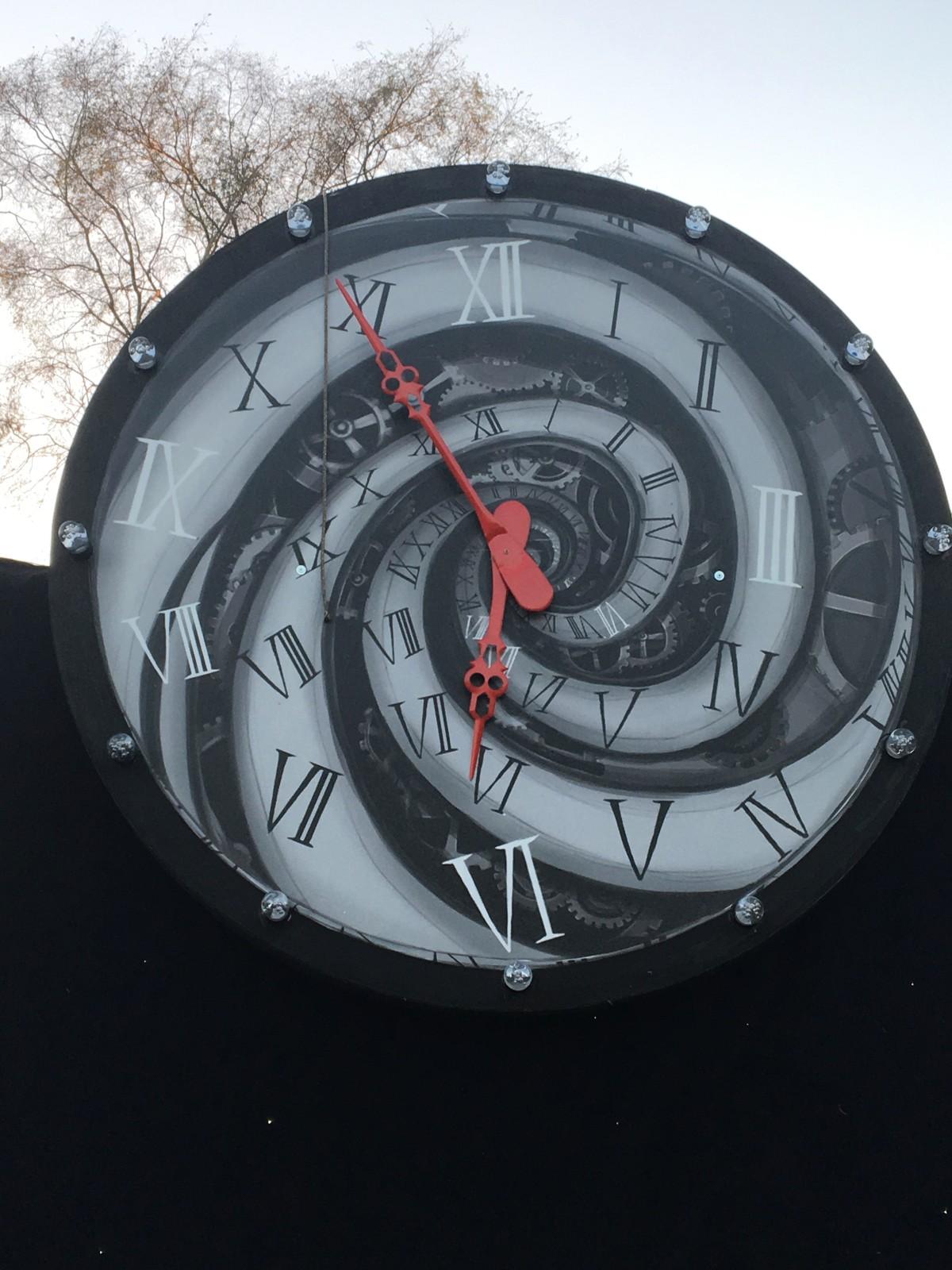 weird_clock2
