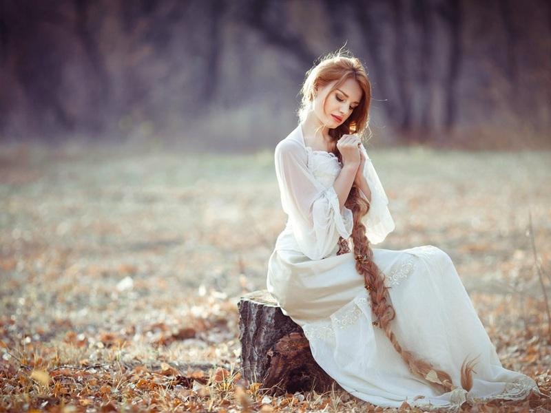 white-dress-girl-sittpvk92.jpg