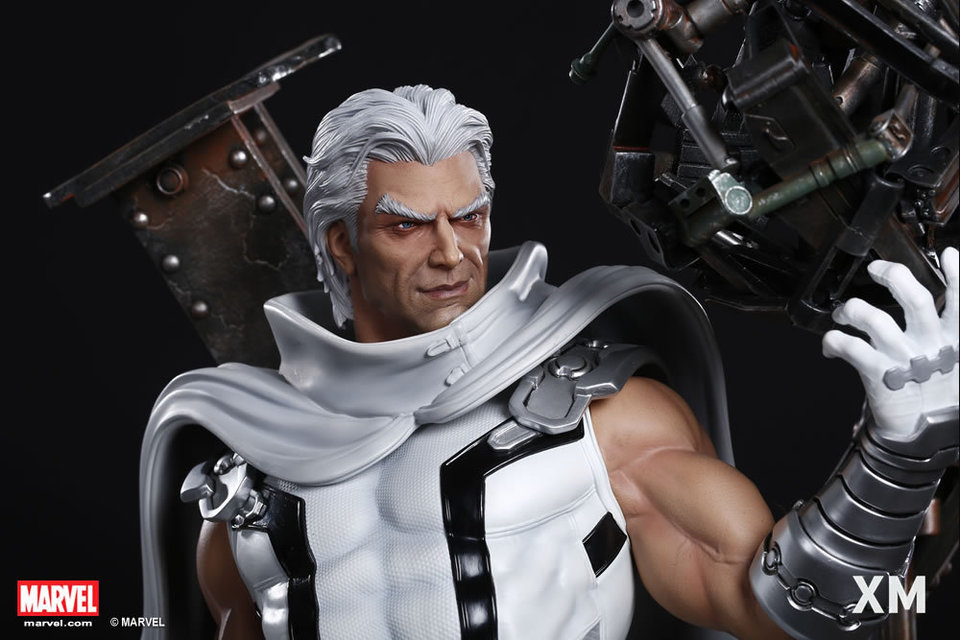 Premium Collectibles : Magneto White Version - Page 2 Whitemag109uco7