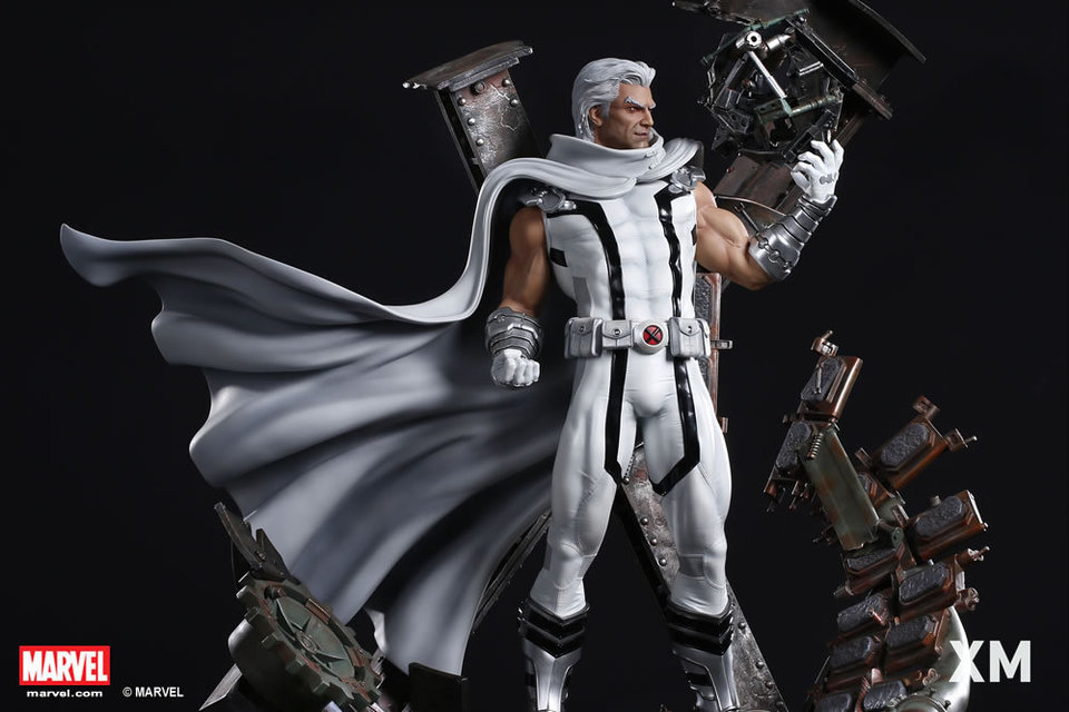 Premium Collectibles : Magneto White Version - Page 2 Whitemag11sldnv
