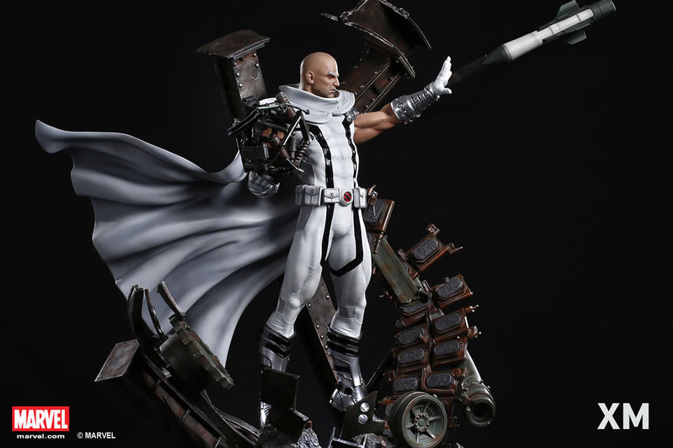 Premium Collectibles : Magneto White Version - Page 2 Whitemag14lkfh7