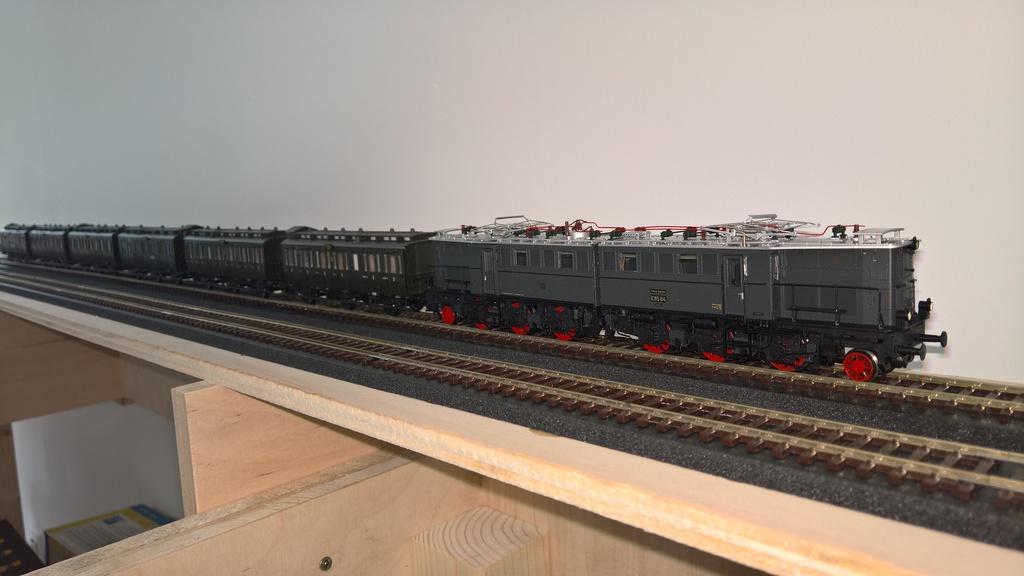 Kurztest Der Brawa E95 04 Stummis Modellbahnforum