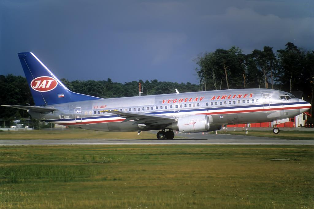 B737-300 JAT/Aviolet Yu-anf_8-88j7jwr